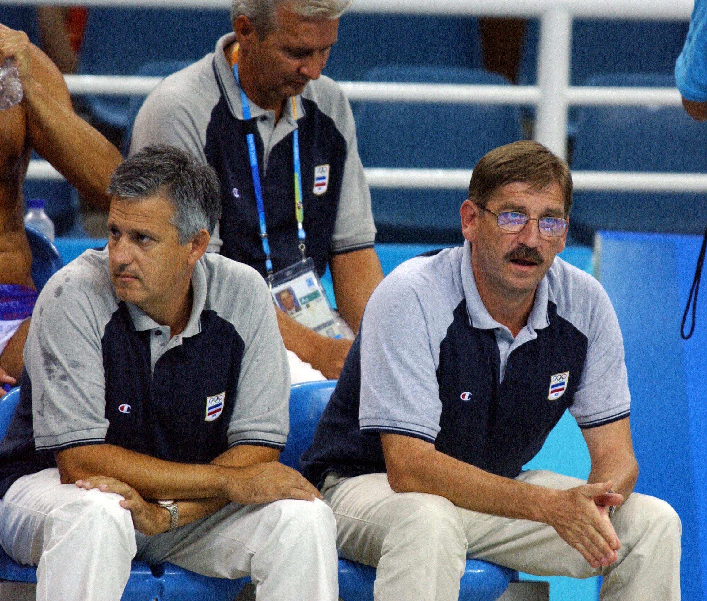 2004. (21.08.) OI ATINA - Petar Porobic i Nenad Manojlovic, treneri SiCG, na utakmici protiv Hrvatske